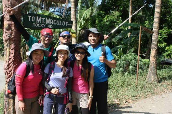 Team Maculot: Mau, Doc Tom, Eduard, Cha, Aizel, Me